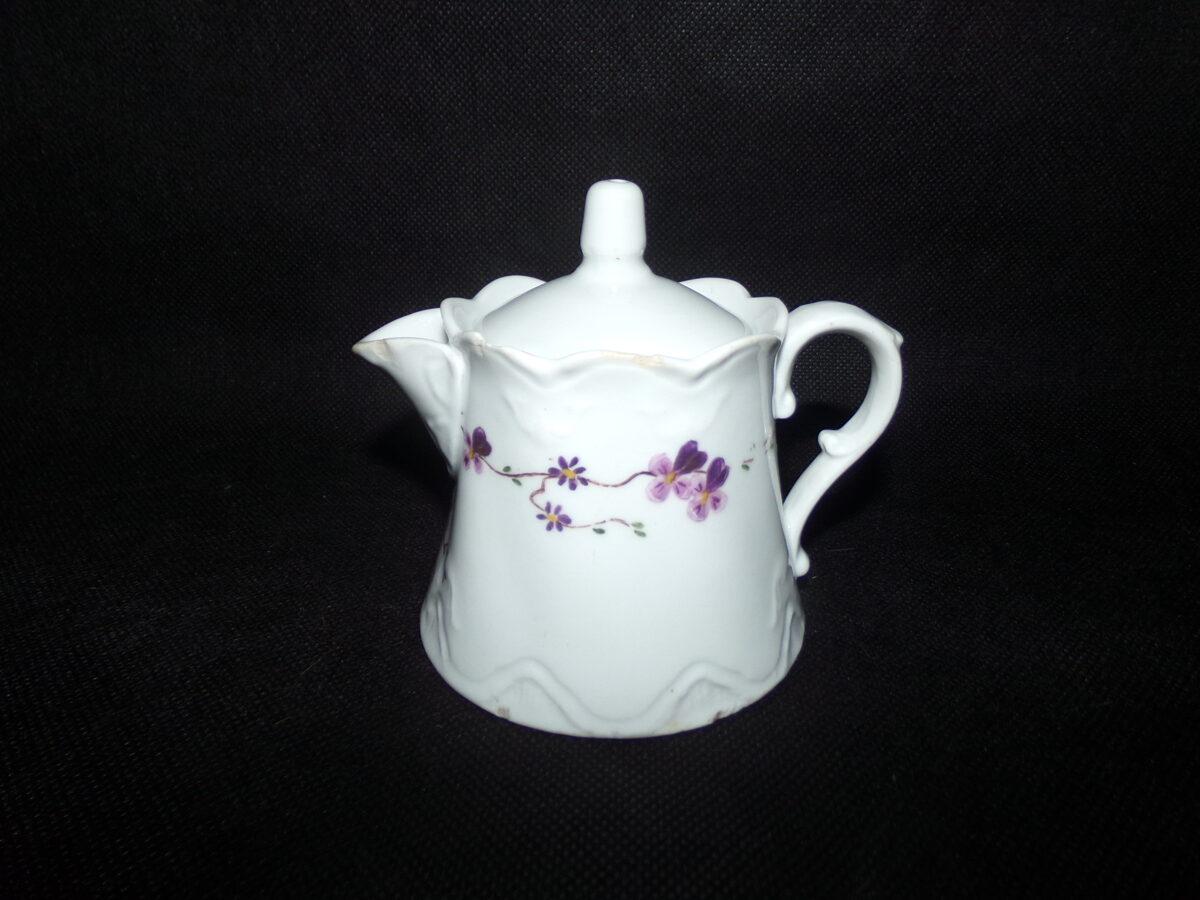 Чайник с крышкой с клеймом J S