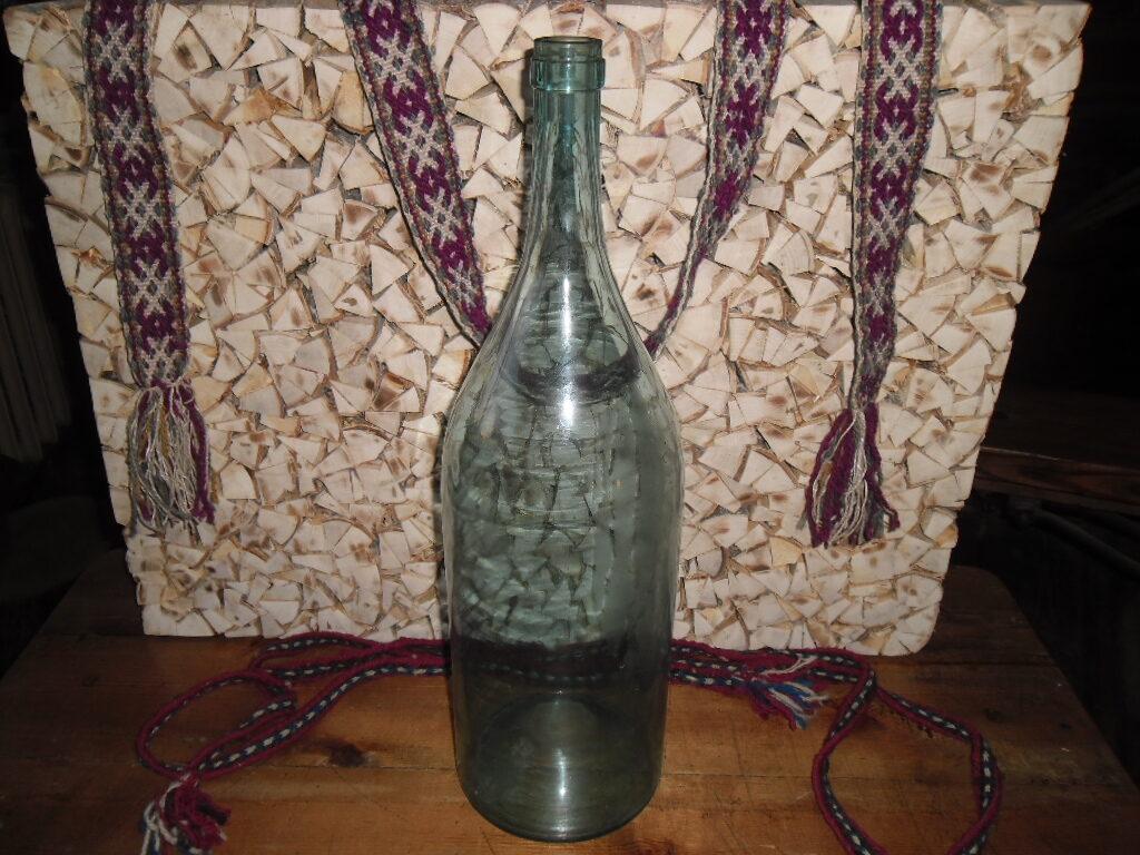 Стеклянная бутыль-Четверть.