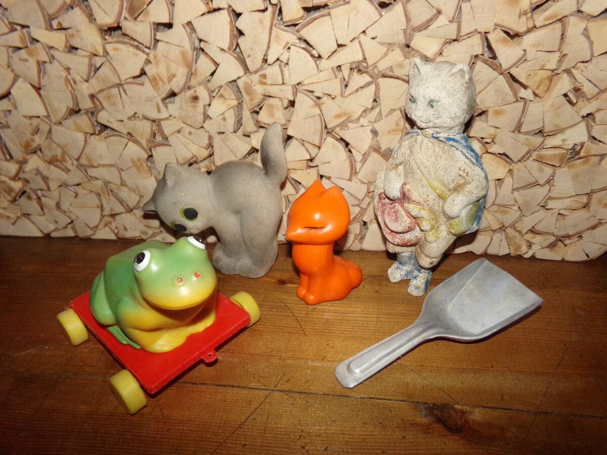 Пластмассовые игрушки времен СССР.