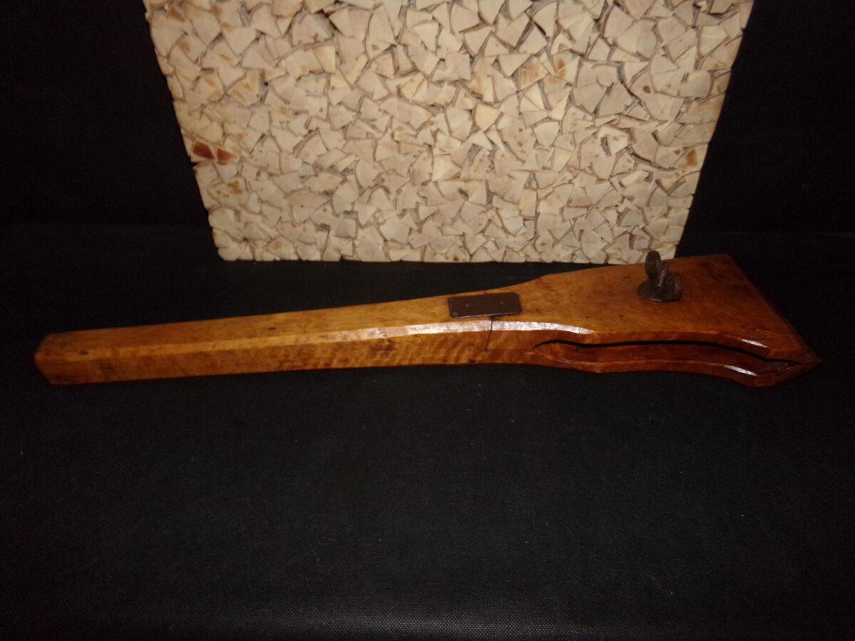 Большая деревянная струпцина.