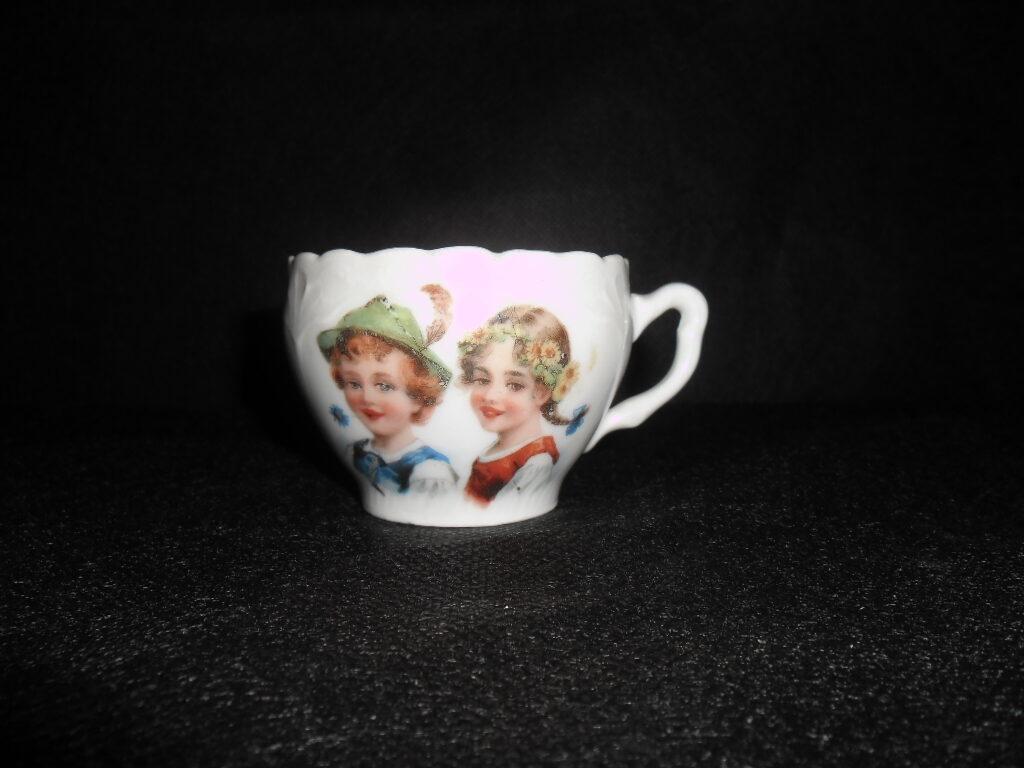 Чашка с росписью. Силезия. 19 век.