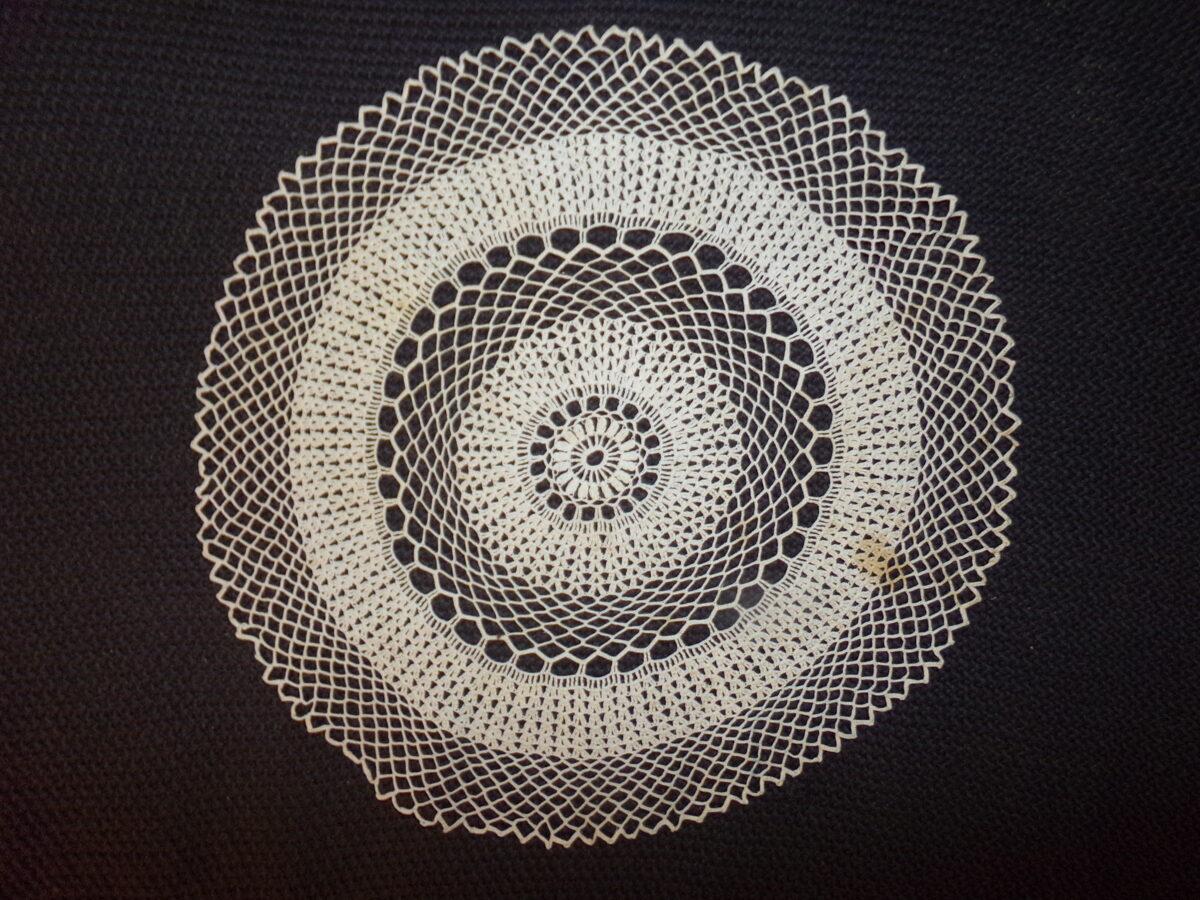 Круглая кружевная салфетка. Латвия. Начало 20 века.