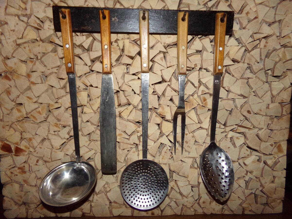 Набор из пяти кухонных предметов. Советская Латвия.