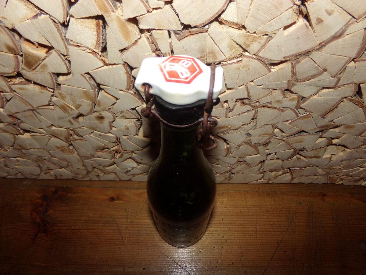 Пивная бутылка с пробкой. Германия. начало 20 века.