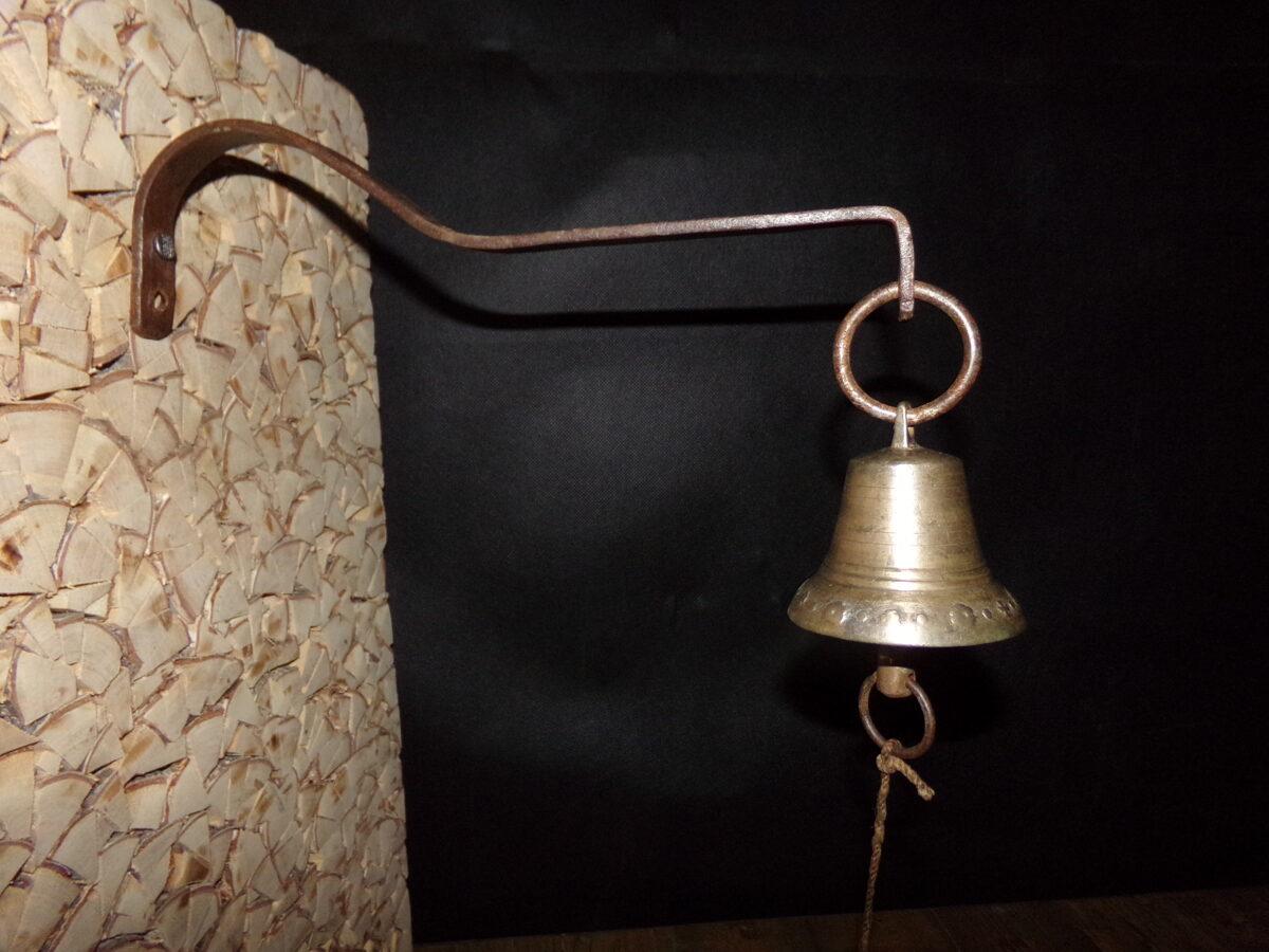 Колокольчик на подвеске с веревочкой. 19 век.