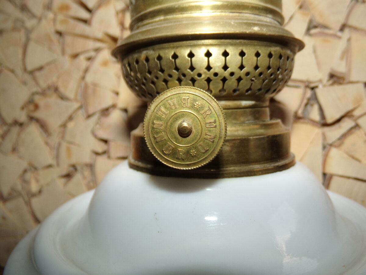 Керосиновая лампа. Бачек из фарфора. Начало 20 века.