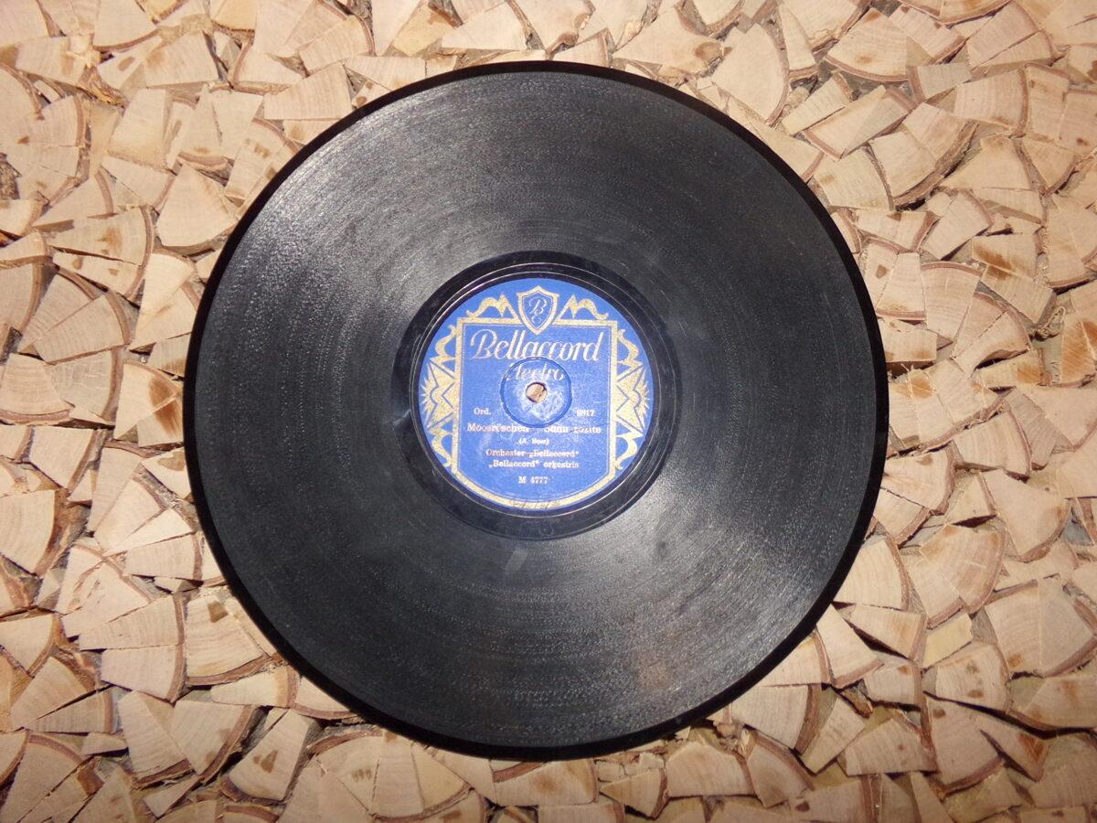 №28. Беллаккорд электро. Произведена в Латвии. 1930-тые года.
