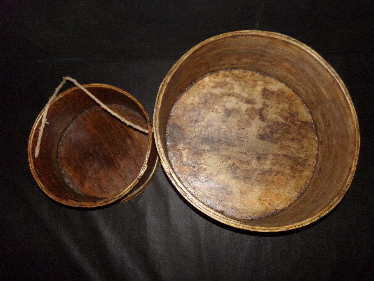 Посуда для хранения и посева зерна.