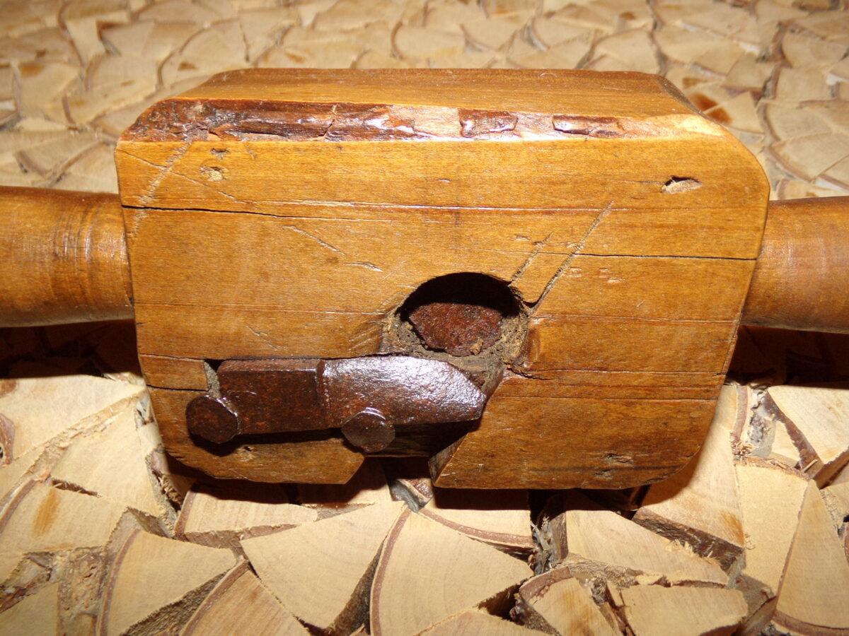 Железный бур с деревянной ручкой. Восточная Латвия. Начало 20 века.