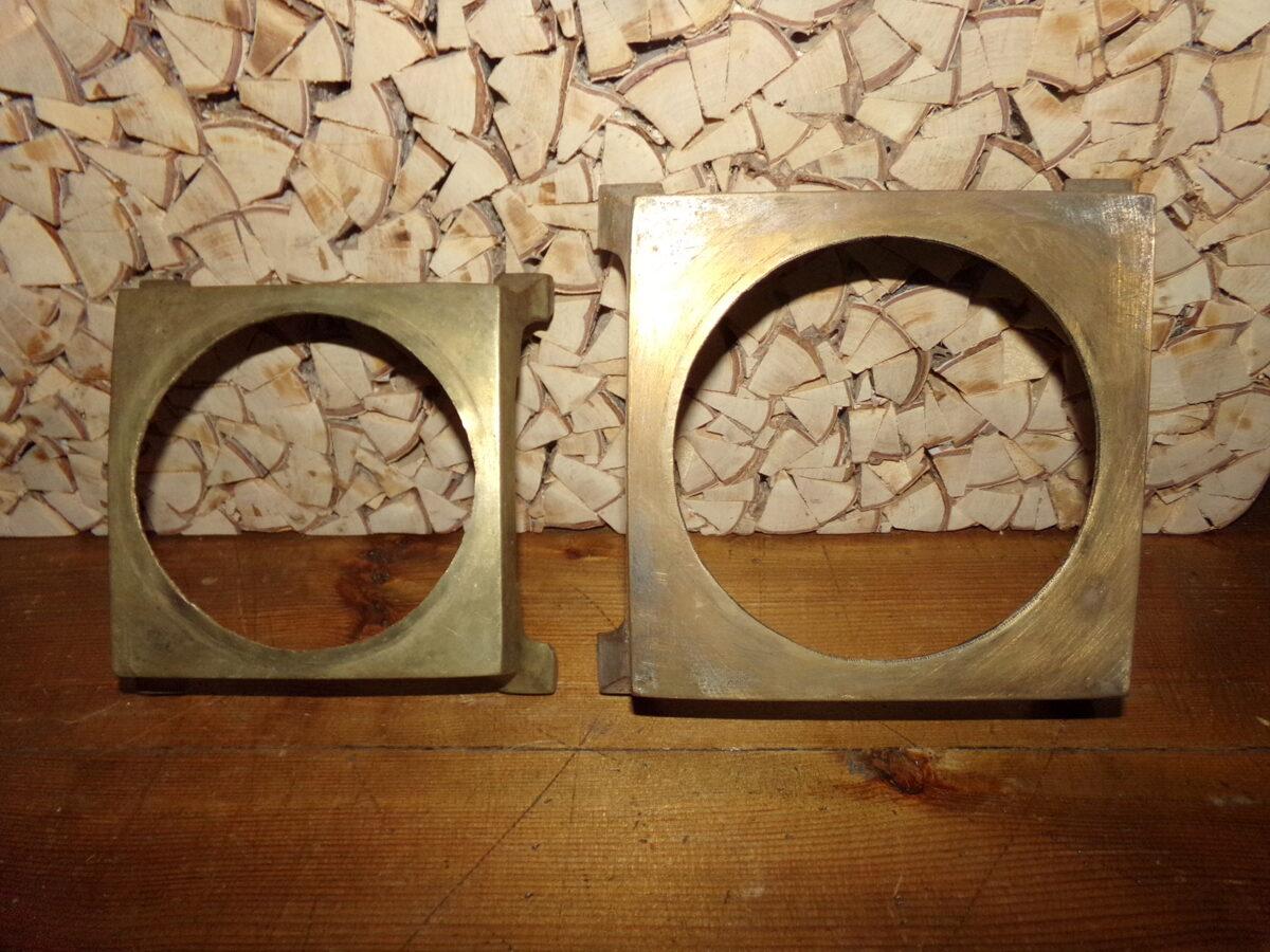 Две бронзовые подставки для самоваров.