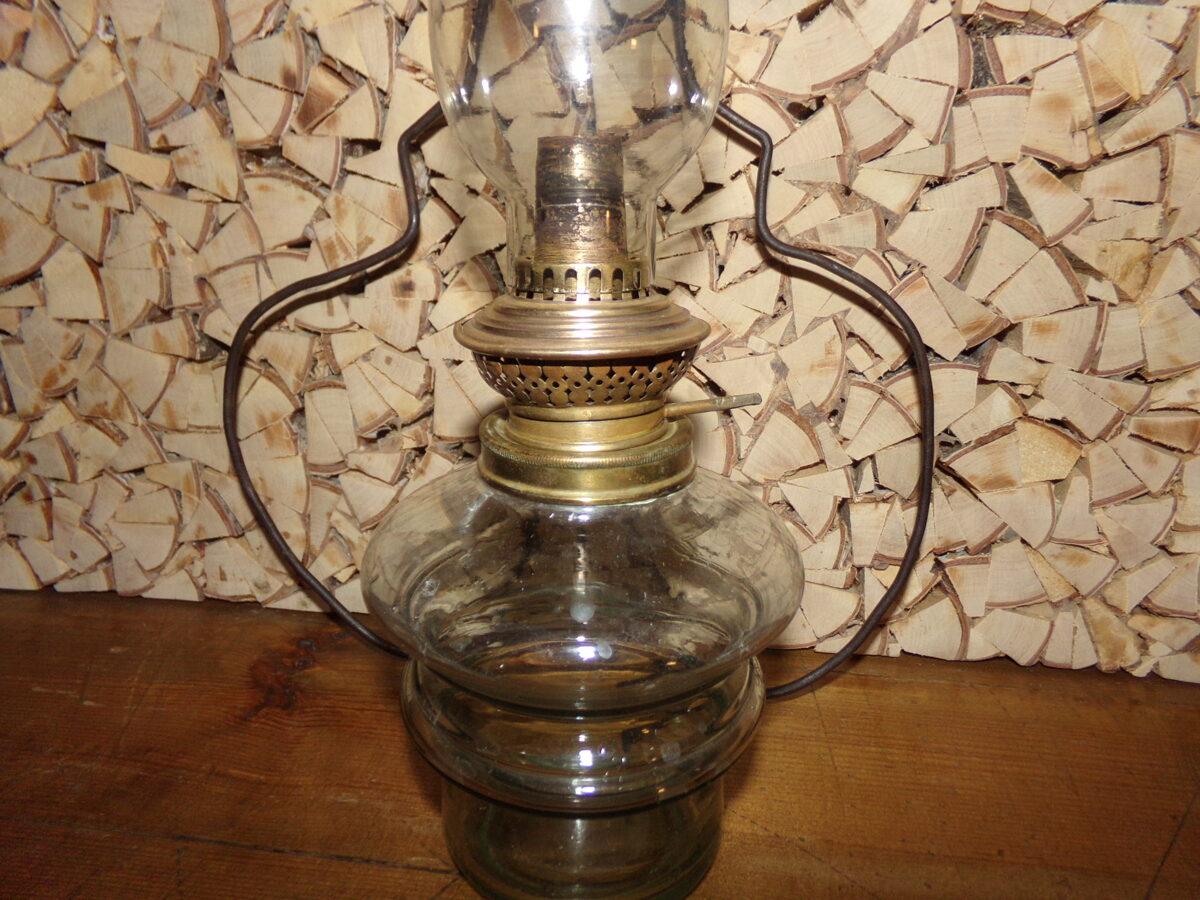 Karināma petrolejas lampa
