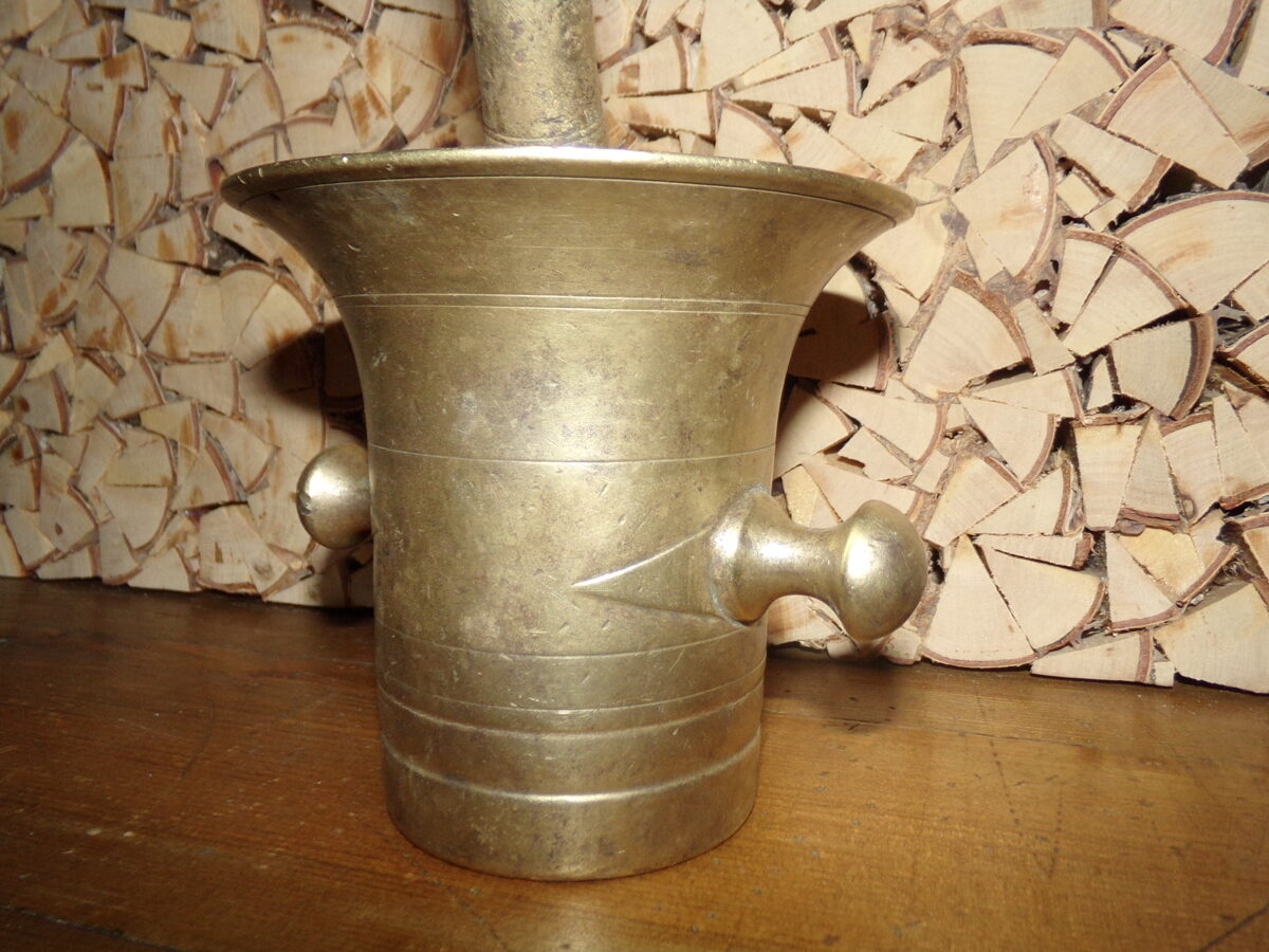 Ступа и пестик. Сплав меди с серебром. 19 век.