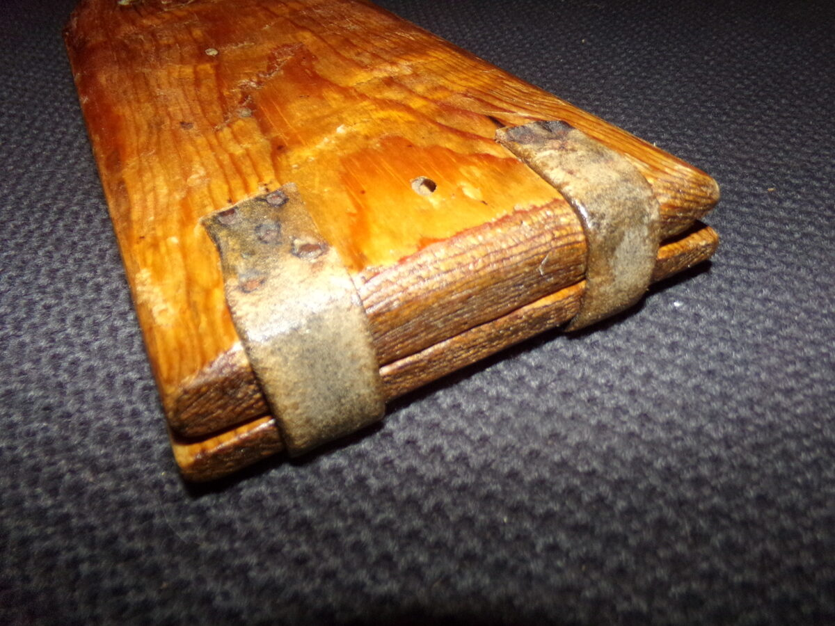 Инструмент для лепки пчелиного воска. Восточная Латвия. Начало 20 века.