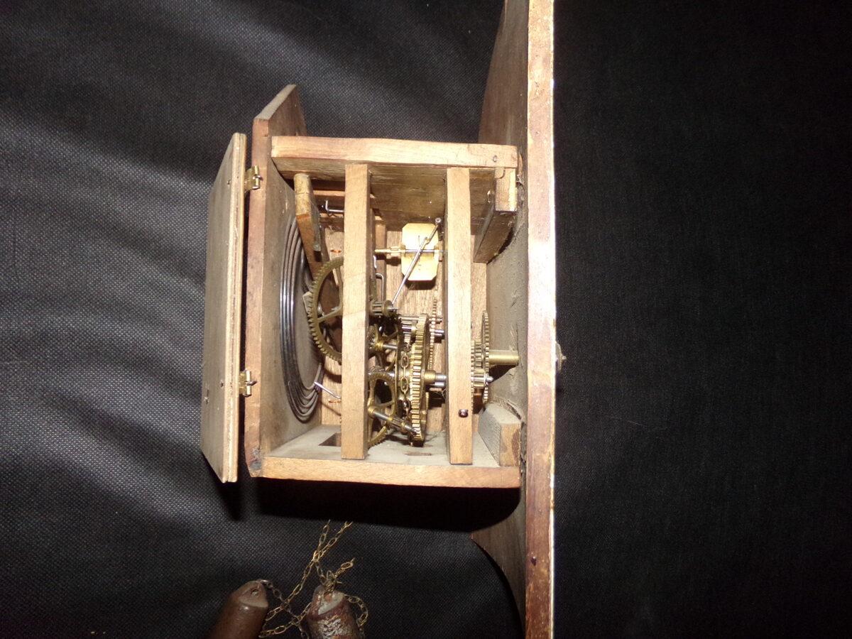 Senlaicīgs apgleznots sienas pulkstenis. Krievija. 20. gs sākums