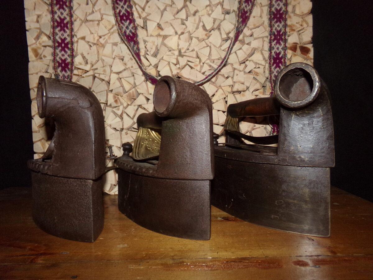 №1. Три утюга с тубами. Латвия.