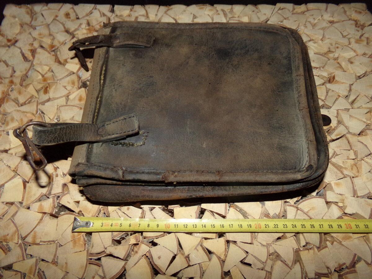 WW2 Кожаный планшет с пуговицей.