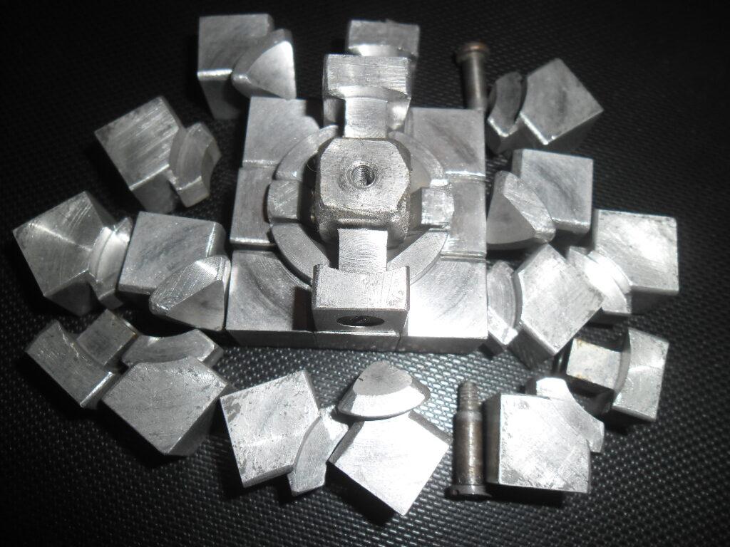Кубик Рубика из стали. Авторская работа Виктора Яковенко. 1980-тый год.