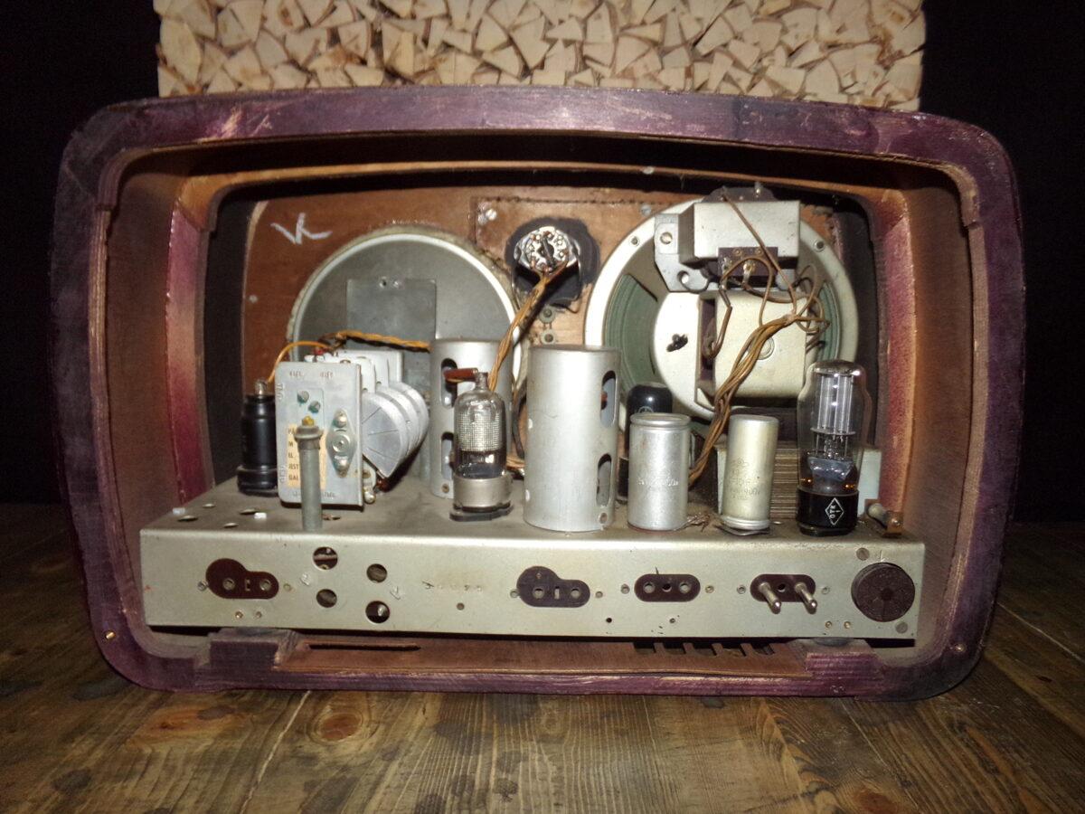 Radiouztērējs VEF - Super. Latvija.