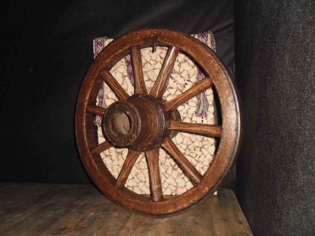 Дубовое колесо.