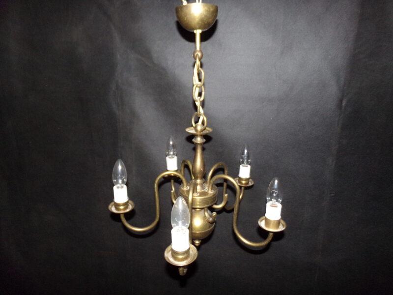 Bronzas lustra ar piecām lampiņām